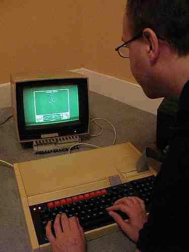 Hur ansluter du Atari 2600
